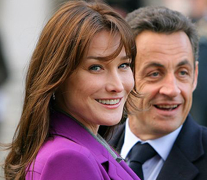 http://www.espace-actu.com/wp-content/uploads/2010/10/Sarkozy-et-Carla-Bruni.jpg